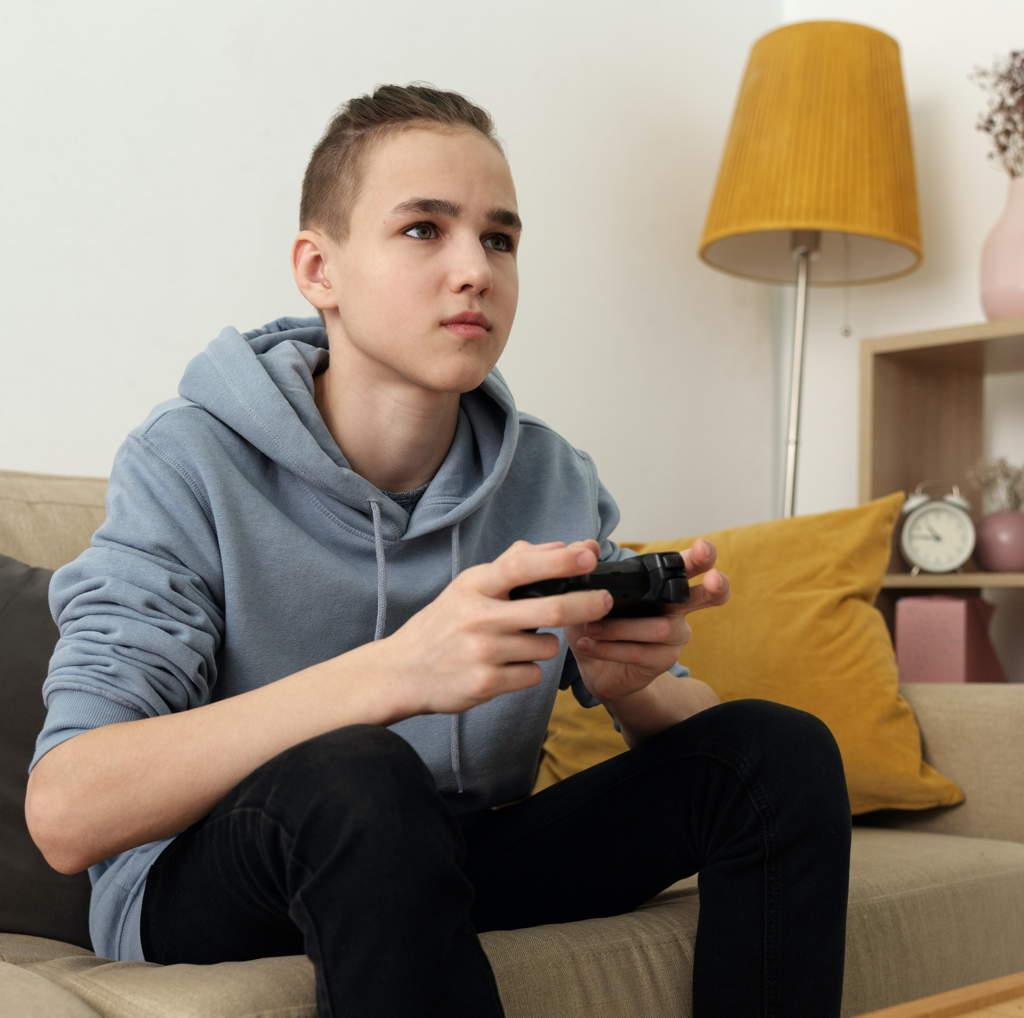 Junge Männer heute: Soziale Isolation, Gaming und Pornos